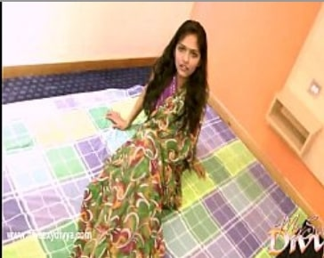 Indian Divya and Yogesh Takes Off Her Clothes Hindi