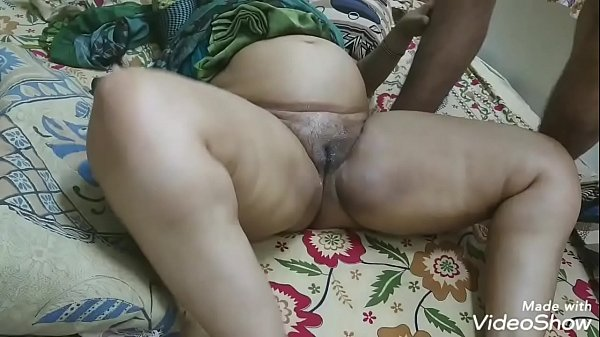 BROTHER-IN-LAW SPIT ON PUSSY AND MASSAGED HER SISTER PUSSY AND THAN FUCKED