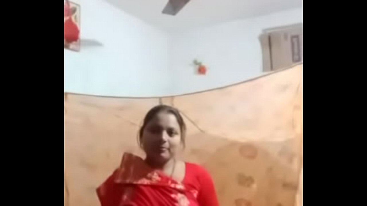 Mani Kaur Show Her Body And Remove Clothes